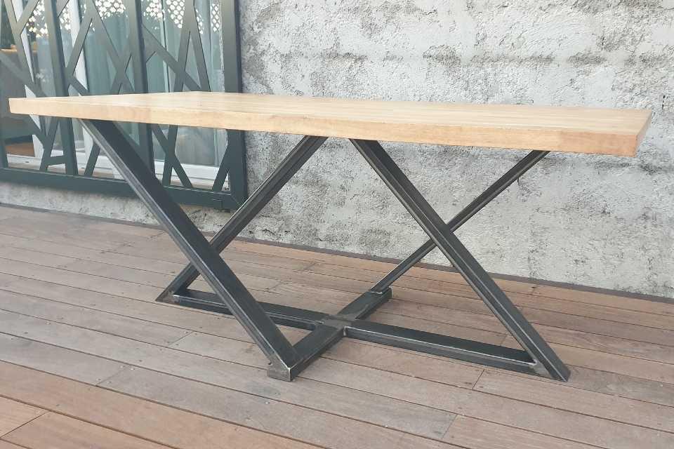 SUD METAL DESIGN | Ferronnerie Métallerie Intérieure Table Pieds Métalliques