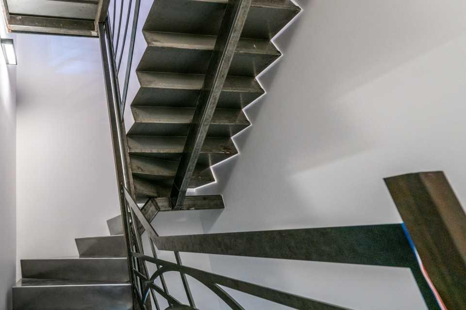 SUD METAL DESIGN | Ferronnerie Métallerie Intérieure Escalier Métallique sur-mesure